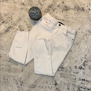 Kut from the Kloth white jeans! ☀️ NWOT